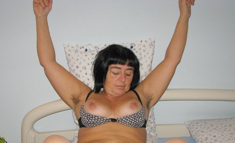 thick latina pussy pictures